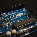 Arduino Monitor Seriale non funziona e con caratteri strani